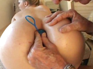 Hot girl acts super slutty in her hardcore video