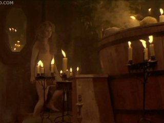 Sex in the Hot Tube By Candlelight with Jennifer Jason Leigh