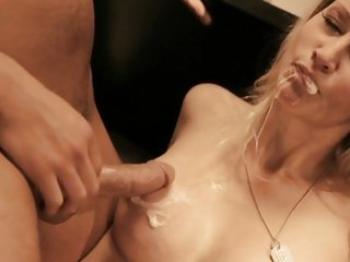 Whore Jessica Drake gets rutted up her piss flaps