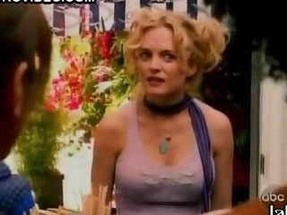 Beautiful Heather Graham In a Cute Top