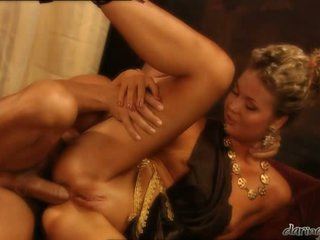 Hot alluring Yasmine Goldsplits her slits and feels the perfect fuck she wanted