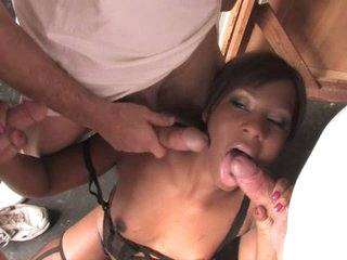 Miss Platinum lusty babe doing a hard blow bang