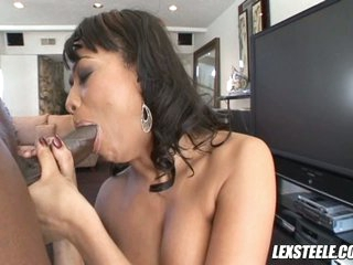 Lex Steele have a hot slut do the mouth job