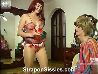 Rita&Maurice strapon sissysex video