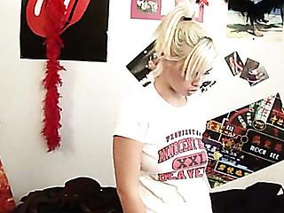 Kinky teacher examines gal