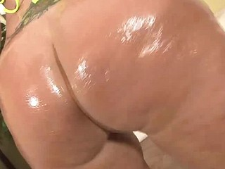 Vannah Sterling takes it up in all her holes