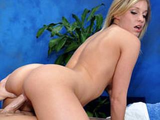Hawt blond Shaye bonks and sucks her massage client on the massage table!